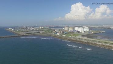Tubos de geotextil como rompeolas sumergidos para la protección del puerto, Taichung, Taiwán