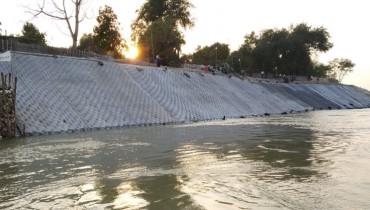 Revestimiento de ingeniería muy exigente para la Riberña del río Irrawaddy erosionada severamente en Myanmar