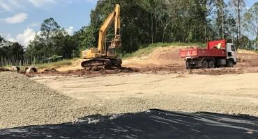 Stabilisation de la plate-forme, route Pan Borneo, Sarawak, Malaisie
