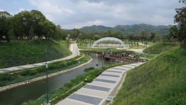 Les Géosynthétiques jouent un rôle majeur dans le bassin de rétention des eaux pluviales urbaines