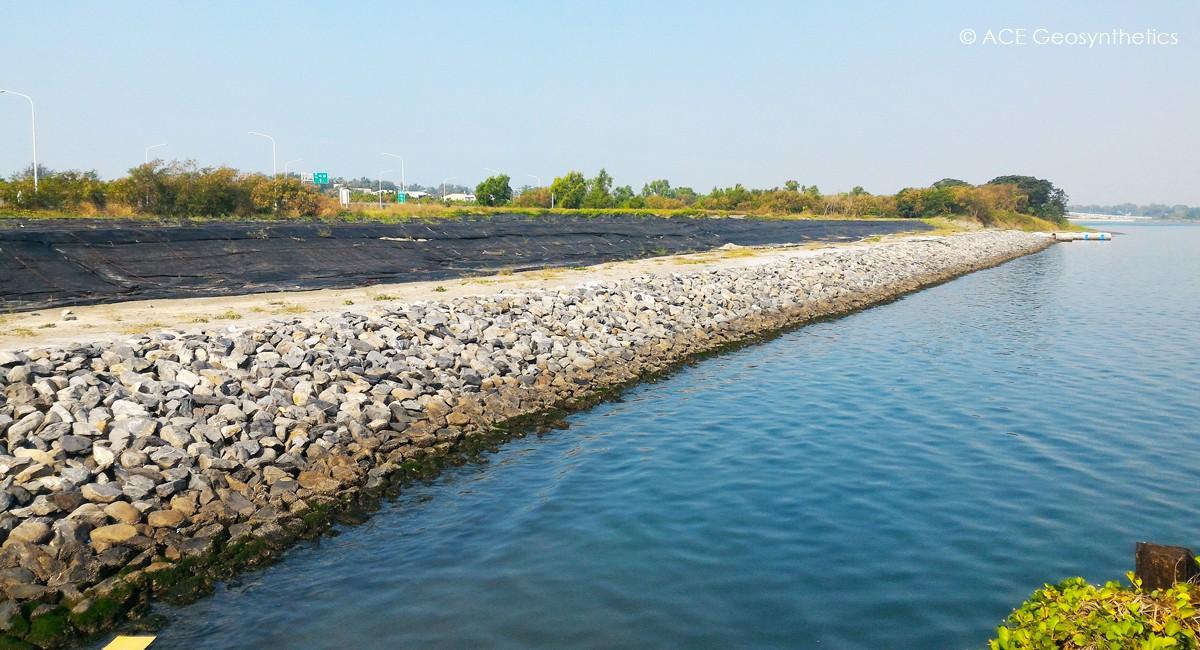 Dragage et remise en état des terres, port d'Anping, Tainan, Taïwan